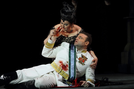Liudmyla Monastyrska as Amelia and Joseph Calleja as Riccardo in Un ballo in maschera © ROH. Photographer Catherine Ashmore