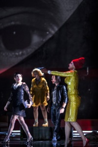 Rinat Shaham (Donna Elvira),  Julie Mathevet (Zerlina), Jean-Luc Ballestra (Masetto), Barbara Hannigan (Donna Anna) © Bernd Uhlig