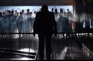 Kristian Benedikt, Chor- und Extrachor des Theater Basel ©Hans Jörg Michel