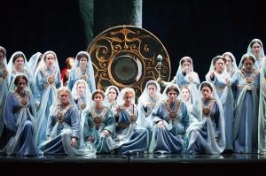 Ladies of the Coro de la Asociación de Amigos del Teatro de la Maestranza (Photo: Guillermo Mendo)