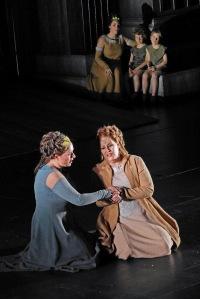 Sondra Radvanovsky, Yekaterina Gubanova ©Toni Bofill/Gran Teatre del Liceu