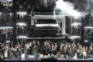 Il Trovatore at the Bayerische Staatsoper (photo: Wilfried Hösl)