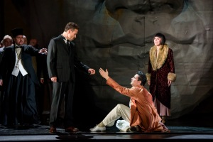 ALAN EWING AS ARCHBISHOP, MARIUSZ KWIECIEŃ AS KRÓL ROGER, SAIMIR PIRGU AS SHEPHERD, GEORGIA JARMAN AS ROXANA (C) ROH. PHOTOGRAPHER BILL COOPER