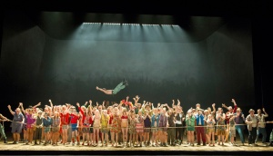 Chorus of English National opera in Carmen at ENO © Alastair Muir