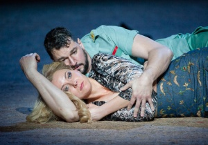 Justina Gringyte & Eric Cutler in Carmen at ENO © Alastair Muir