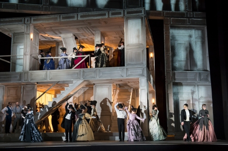 Production image  © ROH Photographer Bill Cooper