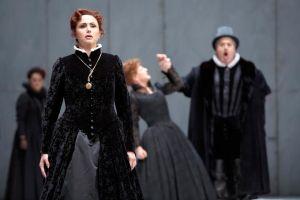 The Hamburg Staatsoper production of Don Carlos as seen in 2008. © Brinkhoff/Mögenburg