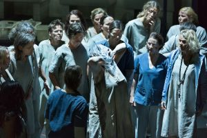 Ensemble in Suor Angelica © Miklos Szabo