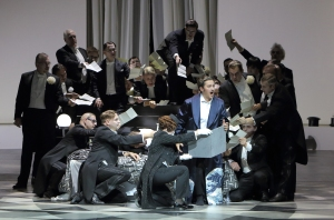 Piotr Beczała, Sofia Fomina, Chor der Bayerischen Staatsoper © Wilfried Hösl