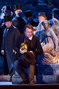 Ludovic Tézier & Gentlemen of the Royal Opera Chorus © ROH/Stephen Cummiskey