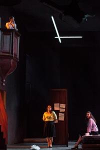 Michèle Losier (Béatrice), Sophie Karthaüser (Héro), Eve-Maud Hubeaux (Ursule) © Bernd Uhlig