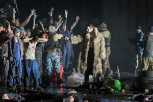 Alexey Birkus, Hans Kittelmann, Marcell Bakonyi, Chor des Staatstheater Nürnberg © Ludwig Olah