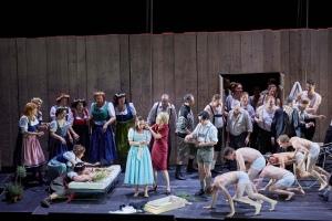 Agneta Eichenholz, Hanna Schwarz, Bruno Vargas, Wilhelm Schwinghammer, dancers and the Herrenchor der Staatsoper Hamburg.  Photo: © Brinkhoff/Mögenburg