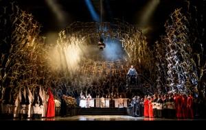Sonya Yoncheva & the Royal Opera Chorus © ROH/Bill Cooper 2016